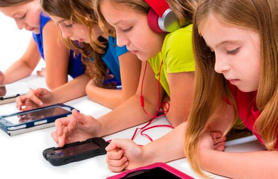 Psicologo en Murcia - El peligro de Internet para los niños