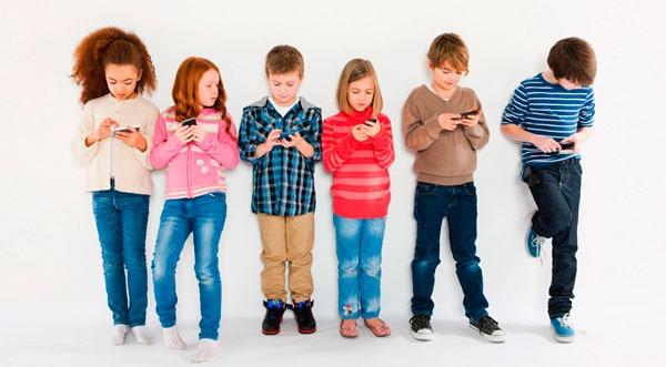 Mi hijo está enganchado al móvil e Internet