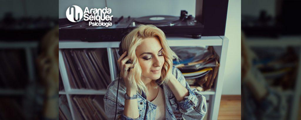 Escuchar música ayuda a reducir el estrés y la ansiedad